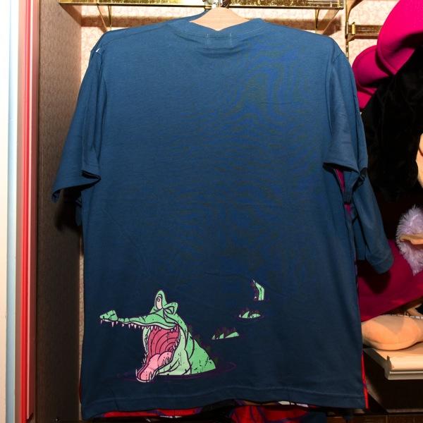 フック船長Tシャツ 裏