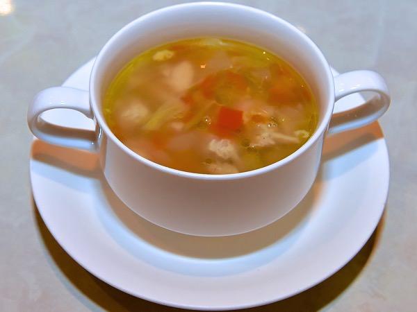 チキンとベジタブルのスープ