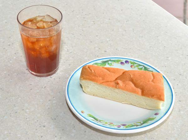 トラットリアセット(パンとソフトドリンク)