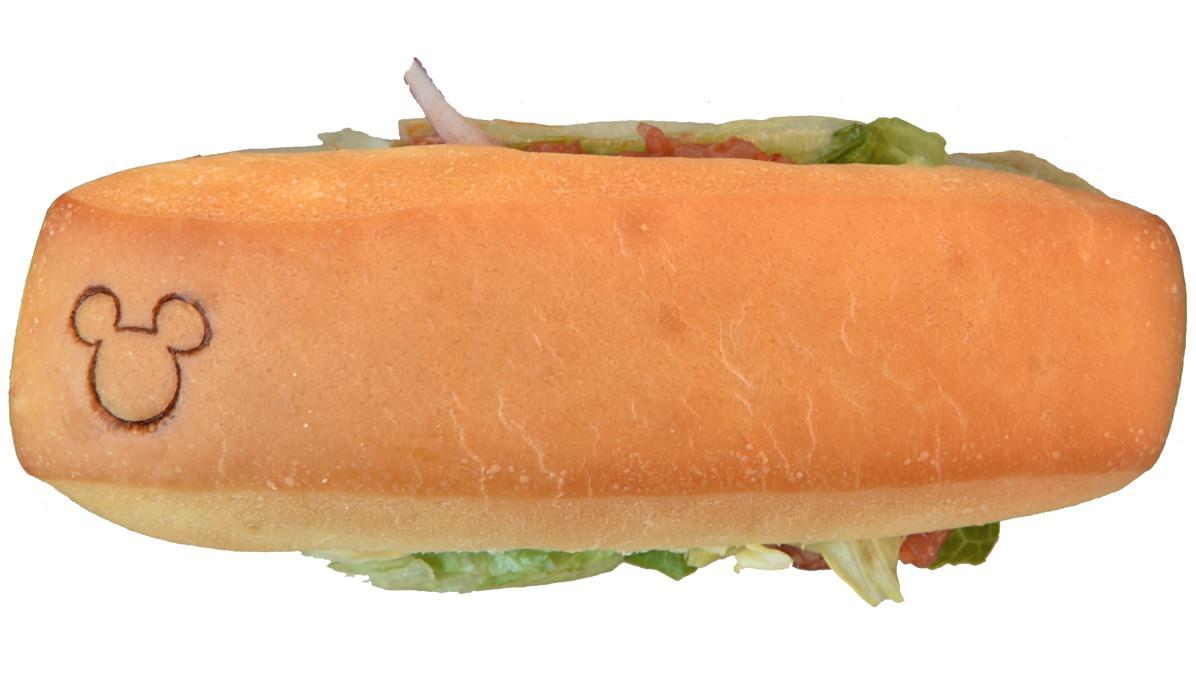 生ハムのアンチョヴィソースサンドウィッチパン