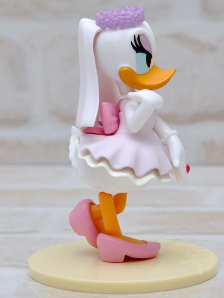 ディズニーキャラクターズ LOVERS MOMENTS -Daisy Duck-パープル右