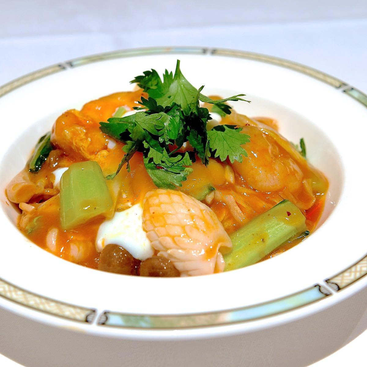 海鮮と野菜のサンラー焼きそば