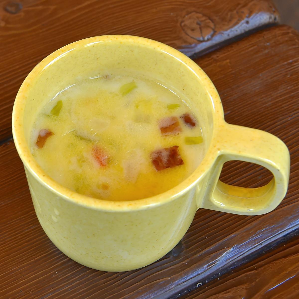 ベジタブルとベーコンのクリームスープ
