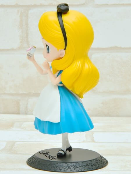 バンプレスト「Q posket Disney Characters -Alice Thinking Time-」通常カラー左