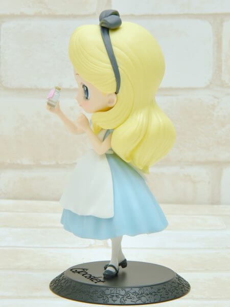 バンプレスト「Q posket Disney Characters -Alice Thinking Time-」パステルカラー左