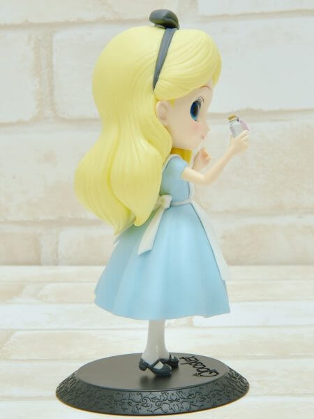 バンプレスト「Q posket Disney Characters -Alice Thinking Time-」パステルカラー右