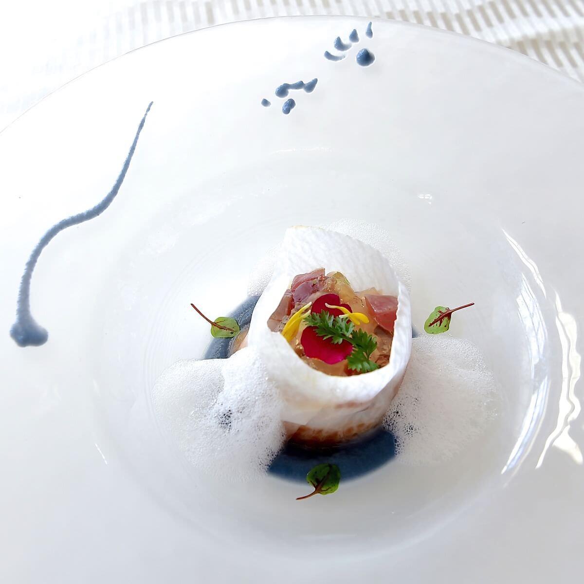 帆立貝と鮪のシトラスマリネとラタトゥイユ  レモングラスのフォーム