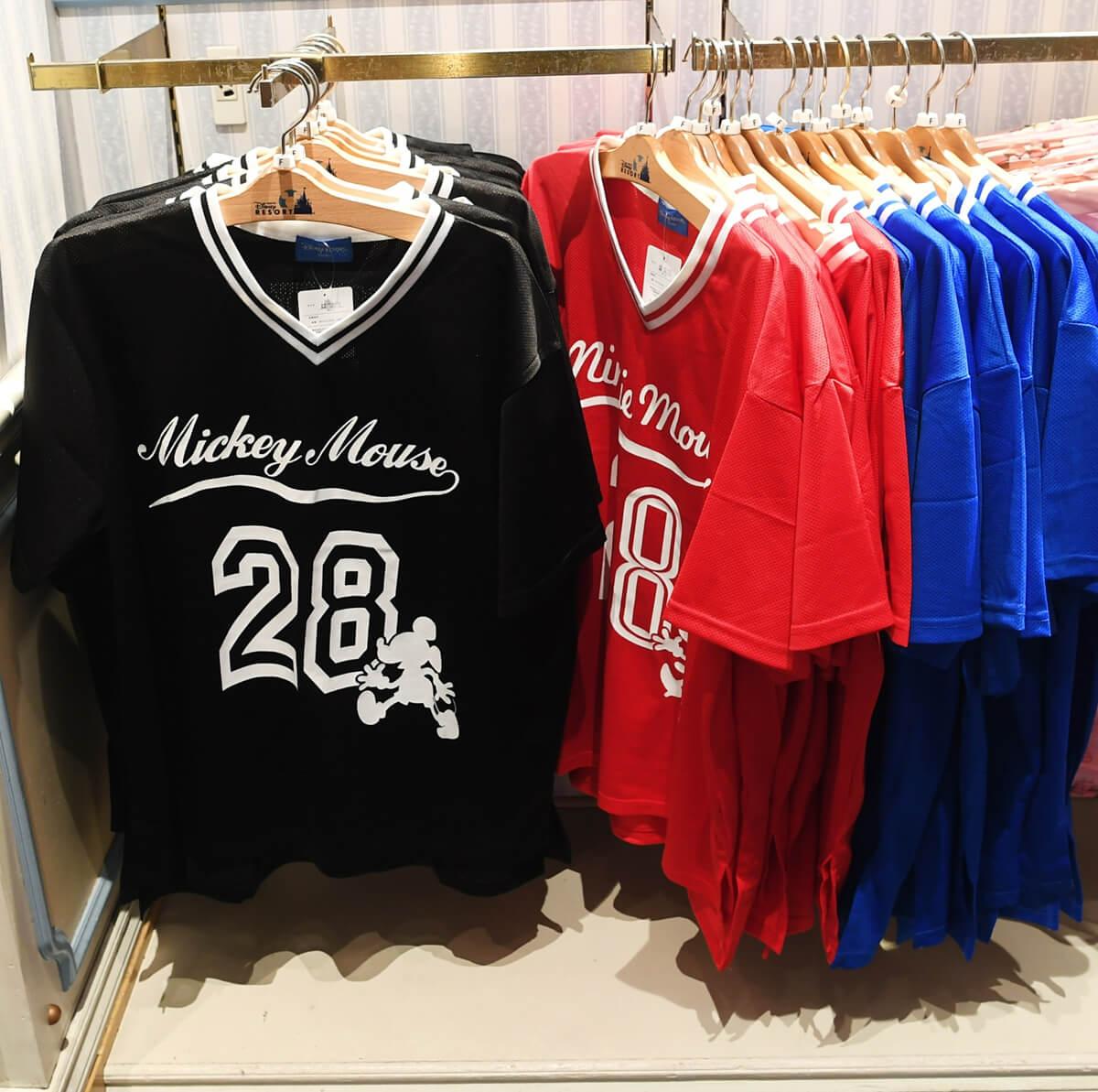 スポーツウェア風Tシャツ