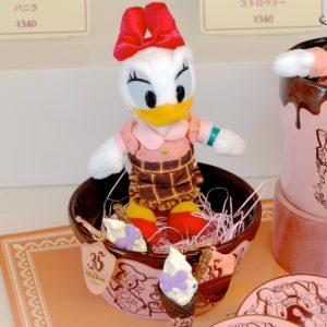 東京ディズニーランド デイジー&チョコレートクランチコラボグッズまとめ