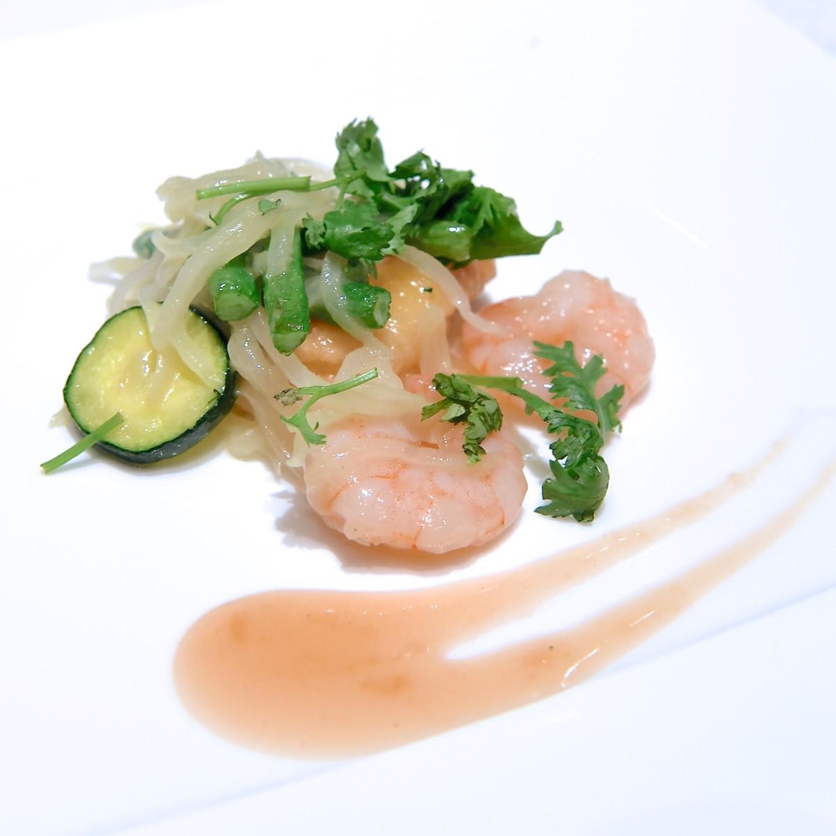 白身魚と海老と野菜の炒め ナンプラー風味