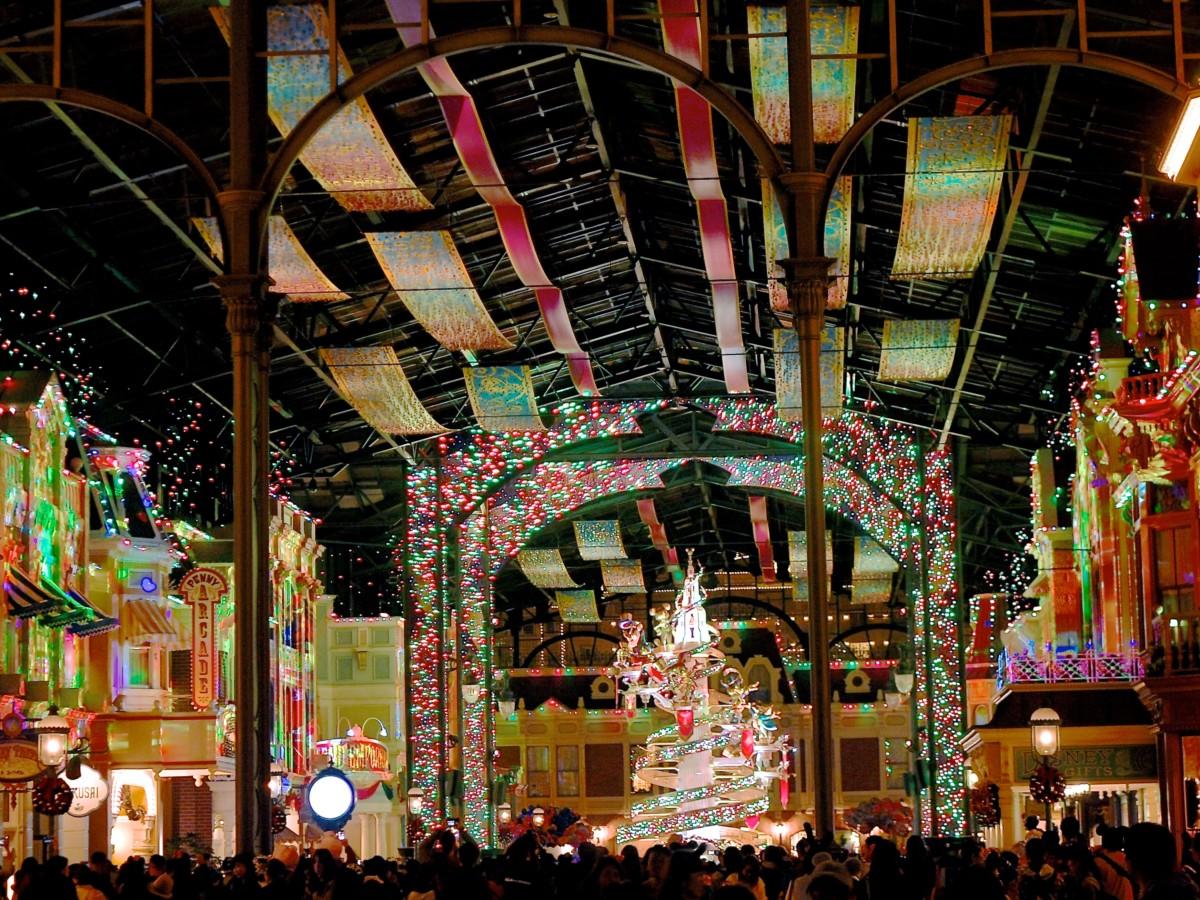 クリスマスセレブレーションストリートプロジェクションマッピング