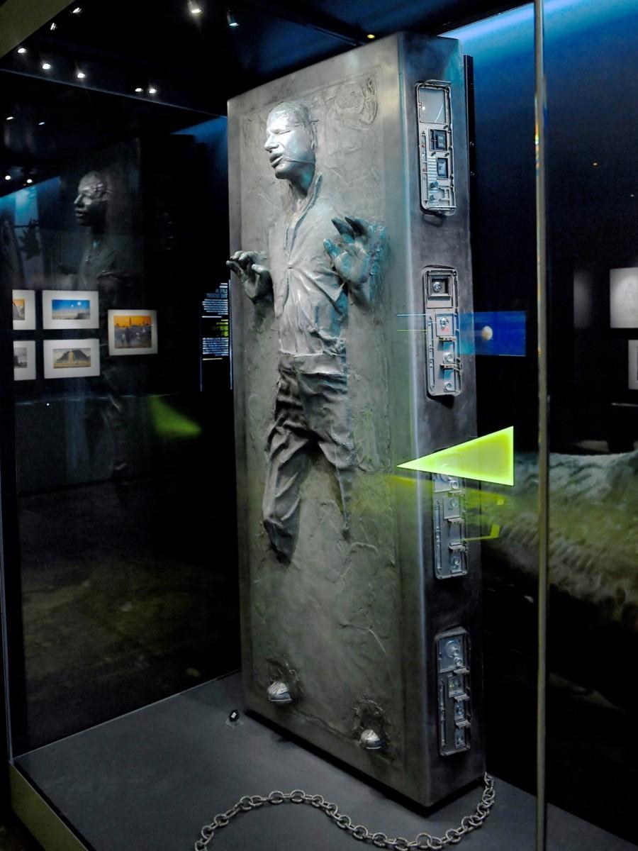 『スターウォーズ/帝国の逆襲』にてカーボン凍結された「ハン・ソロ」
