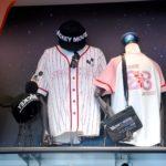 東京ディズニーランド スポーツユニフォーム風半袖シャツ・お土産