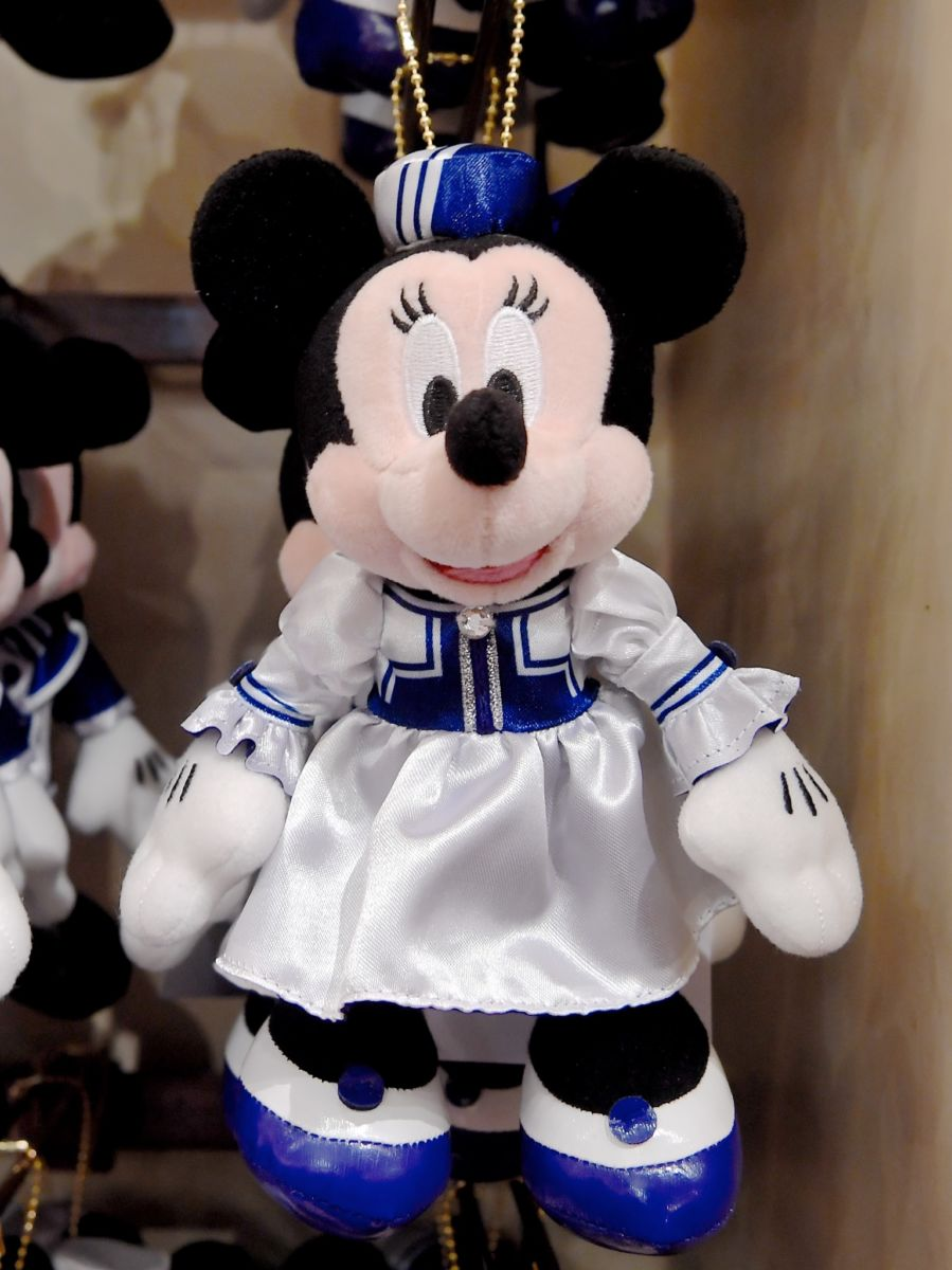ディズニーアンバサダーホテル ミニーマウスぬいぐるみバッジ
