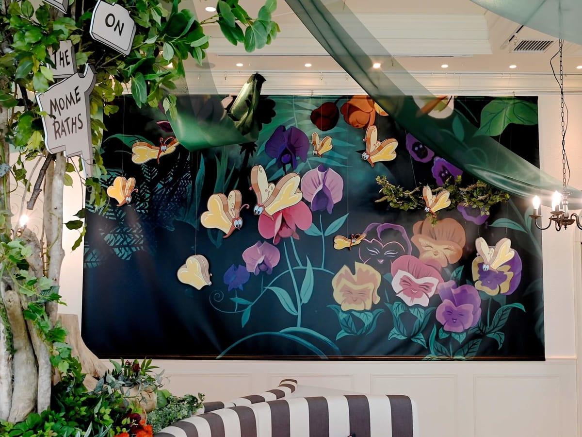 「ディズニー ふしぎの国のアリス」OH MY CAFE 内装2