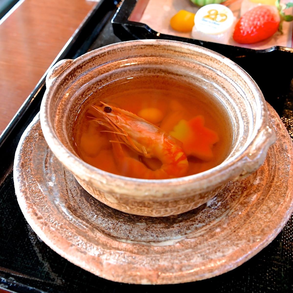 松茸と海老の土瓶蒸し風